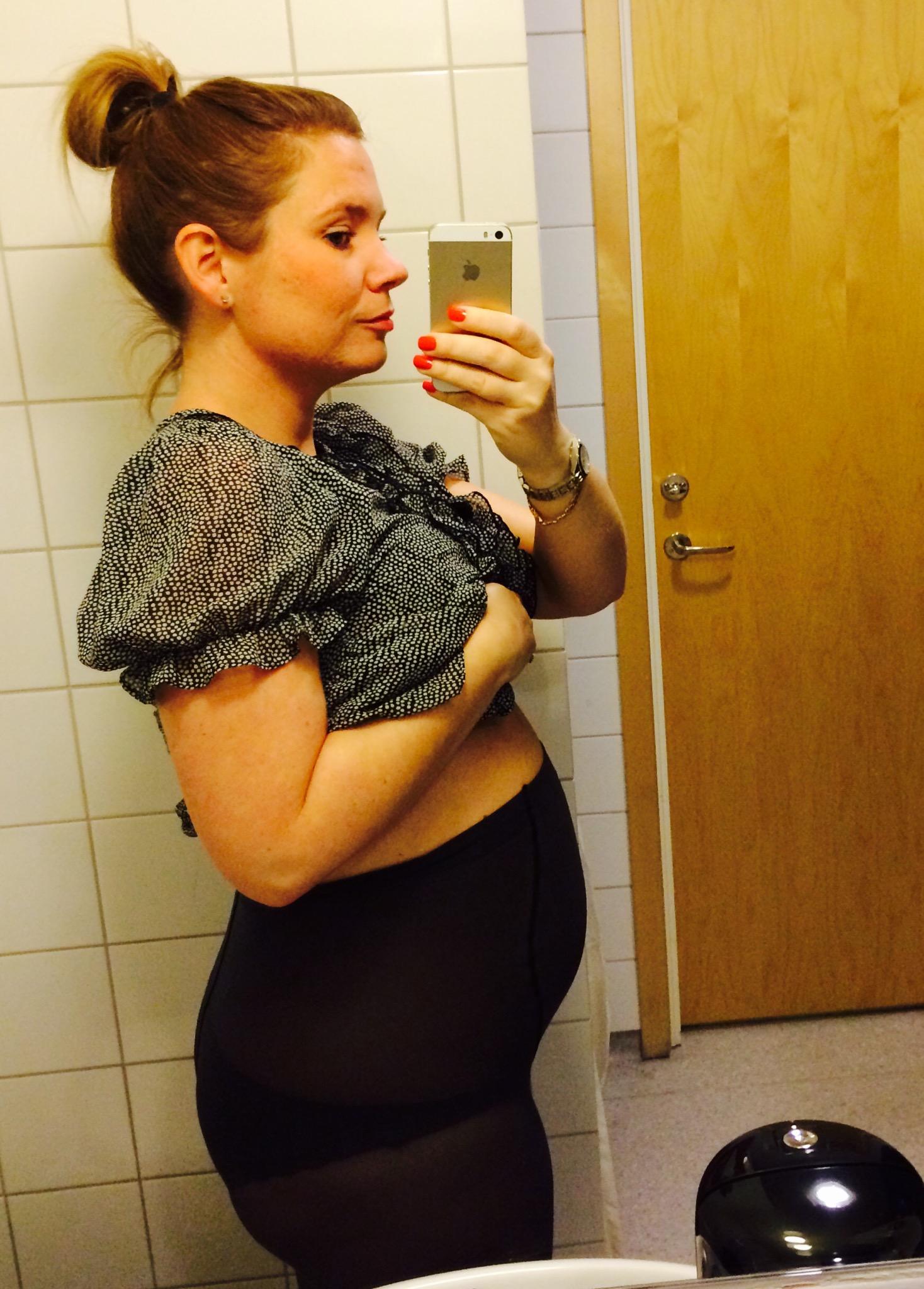 gravid ont i magen på natten